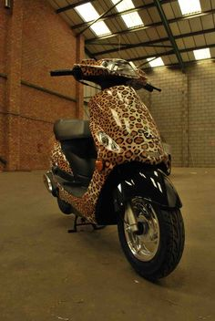 Competition Prize by Rob Wellings, via Behance Animal Print Decor, Animal Print Fashion, Animal Prints, Living Barbie, Cheetah Animal, Vogue, Cheetah Print, Leopard Prints, Cute Mugs