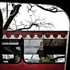 """Gaztezuloren 141. alean Galder Izagirreren """"BurUazbeSte"""" erreportajea kaleratu genuen. Arto Paasilinna finlandiarraren 'Hurmaava joukkoitsemurha' (2007) –Taldekako suizidio goxoa– nobela dibertigarriak eman zion erreportaje honetarako puntua."""
