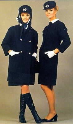 Air France stewardess uniforms designed by Cristobal Balenciaga 1960s Fashion, Vintage Fashion, Women's Fashion, Air Hostess Uniform, Style Année 60, Airline Cabin Crew, Airline Uniforms, Flight Attendant Life, Vintage Travel