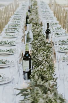 Native greenery garland for Tuscan inspired wedding reception | Nectarine Photography