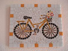 Base MDF, trabalho em mosaico com pastilhas de vidro.  Tamanho: 30x25cm