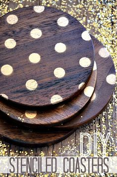 Make these DIY Coasters in less than a minute… I am loving the GOLD! #gifts #gold #diy