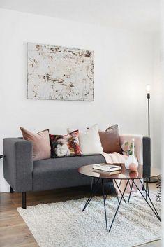 Interiør inspirasjon, stue Cool Furniture, Mid-century Modern, Home And Garden, Mid Century, California, Chic, Table, Home Decor, Shabby Chic
