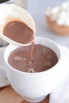 Rich and Creamy Homemade Hot Chocolate - tastes equally good made with almond mi. - Hooked on the Slow Cook - Chocolate Hot Chocolate Recipe Easy, Crockpot Hot Chocolate, Homemade Hot Chocolate, Hot Chocolate Mix, Almond Chocolate, Hot Cocoa Recipe With Milk, Chocolate Chocolate, Homemade Hot Cocoa Recipe, Chocolate Snacks