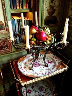 Howard Slatkin dining room vignette