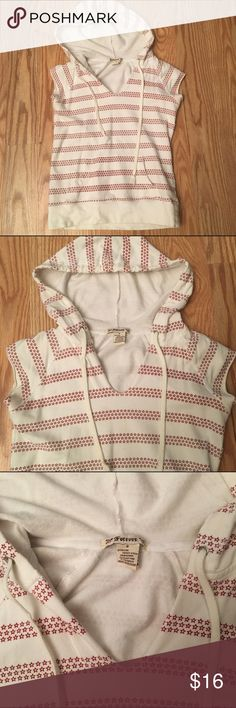 """FOREVER 21 t-shirt with hoodie FOREVER 21 hooded t-shirt 