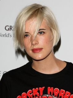 Agyness Deyn hairstyles, seriously this chick rocks her hair in so many fantastic ways!