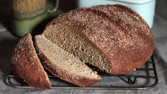 BBC - Food - Recipes : Doris Grant loaf , bread , no kneading Ridiculously easy and super healthy. Loaf Recipes, Bread Machine Recipes, Easy Bread Recipes, Chocolate Zucchini Bread, Zucchini Cake, Chocolate Cake, Zojirushi Bread Machine, Soda Bread, How To Make Bread