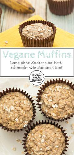 Diese veganen Bananen-Haferflocken-Muffins ohne Zucker, Ei und Fett sind perfekt für alle, die sich bewusst ernähren. Nicht nur Kleinkinder lieben die schnellen, gesunden Frühstücksmuffins! #bananenmuffins #haferflocken #gesund #vegan #zuckerfrei #fettfrei #kindermuffins #fruehstuecksmuffins #backenmachtgluecklich