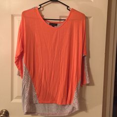 Blouse Coral & Gray 3/4 Sleeve Stylish Top with Lace Trim Design Never Worn. Tops Blouses