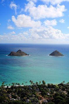 Hiking in Hawaii- Lanikai Pillboxes (Oahu)