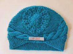 Örgükolik'ten Örgüler: ÇİN BERESİ Knit Crochet, Crochet Hats, Kerchief, Cross Stitch Designs, Beret, Knitted Hats, Knitting Patterns, Diy And Crafts, Winter Hats
