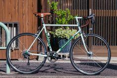 Circles Japan Personal Bike Show: Takayoshi and His Clever Dobbat's Commuter   The Radavist