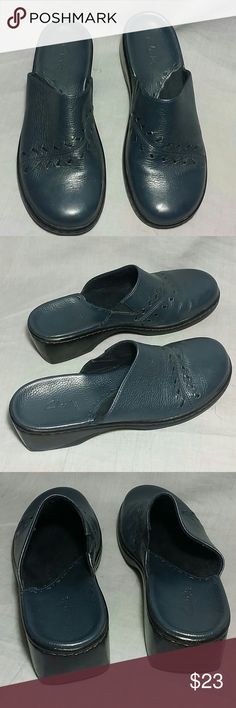 Women's Clarks Clogs Shoes 6 M leather Dark Blue Item is in a good condition NO PETS AND SMOKE FREE HOME. Clarks  Shoes Mules & Clogs