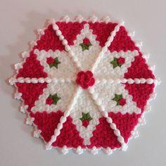 Crochet Potholders, Tree Skirts, Pot Holders, Christmas Tree, Holiday Decor, Instagram, Crochet Doilies, Towels, Rugs