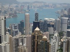 :-) Seeing Hong Kong from The Peak. What a view! :-)