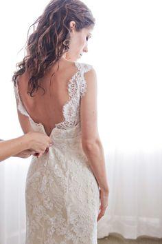 Monique lhuillier vintage style lace wedding dress #vintage-lace-wedding-dress