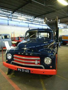 Ope l blitz bakwagen. Old Lorries, Blitz, Old Trucks, Car Ins, Old Cars, Volvo, Cars And Motorcycles, Chevrolet, Transportation