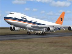 The old South African Airways livery - my first flight back to the UK was on an SAA Boeing South African News, South African Air Force, Africa Symbol, South Afrika, Airplane Photography, Kruger National Park, Boeing 747, African History, City Art