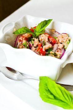 {No-Mayo} Mediterranean Tuna Salad - The Foodie and The Fix