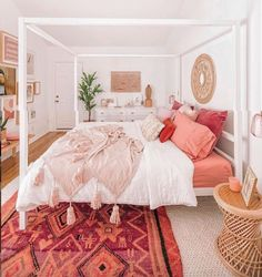 50 Make Your Bedroom More Romantic with These Romantic Bedroom Decorations Wohnen im Boho-Stil Home Interior, Interior Design, Romantic Bedroom Decor, Bohemian Bedrooms, Coral Bedroom Decor, Romantic Room, Dream Rooms, Home Bedroom, Home Decor Ideas