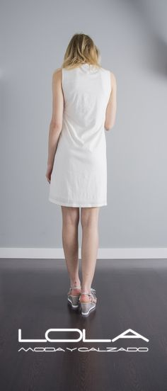 Tienes ganas de sol, tienes ganas de vestidos.  Pincha este enlace para comprar tu vestido en nuestra tienda on line:  http://lolamodaycalzado.es/primavera-verano/593-vestido-de-algodon-y-croche-con-tirantes-caster.html