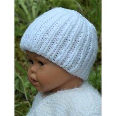 Bonnet naissance couleur mixte uni blanc pour bébé. Il est tricoté-main en  maille f3d13730daa