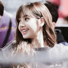 ➳ kpop - ❛ lᥲlisᥲ mᥲnobᥲn ❜ - Page 3 - Wattpad Jennie Lisa, Blackpink Lisa, Kpop Girl Groups, Kpop Girls, Super Junior, K Pop, Rapper, Lisa Blackpink Wallpaper, Black Pink