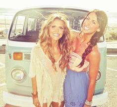 Beachy waves + tanned and toned bronzed shoulders tone-it-up-girls-beach-bod-inspiration