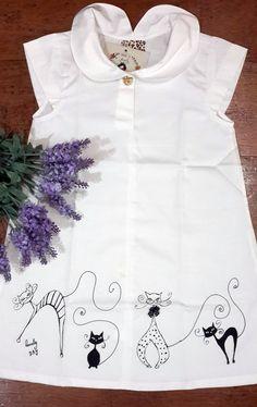 Vestido Lovely Day Sarja, 100% Algodão, pintado a mão. Serge dress with painted hand print. Cotton 100%.