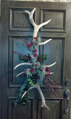 Pretty door decoration, I would of course add some feathers to it.