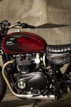 "Triumph Bonneville T120 ""La Machine"" custom gas tank, exhaust, airbox removal and saddlebag by BAAK."