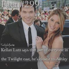"978 Synes godt om, 7 kommentarer – Twilight Facts (@twilightfactss) på Instagram: ""~ I love that they're still friends - Autumn {#twilightsaga#kellanlutz#ashleygreene#twifact299}"""