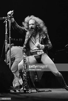 Singer and musician Ian Anderson performing with British progressive rock group Jethro Tull at Wembley Empire Pool London June 1973 Progressive Rock, Classic Rock And Roll, Rock N Roll, John Evans, Human Oddities, Jethro Tull, Peter Gabriel, British Rock, Rock Groups