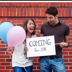 Cute pregnancy announcement! Would put ???? on the balloons until gender reveal :)