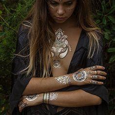 Gold Flash Tattoo Trends – Best Tattoos Designs & Ideas for Men & Women Gold Tattoo, Metal Tattoo, Flash Tattoos, Festival Makeup, Festival Fashion, Henna Designs, Gold Henna, Tatto Design, Der Arm