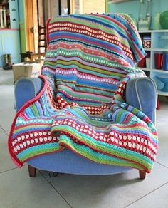 Tutorial voor gestreepte gehaakte deken met diverse steken