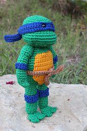 Ravelry: Teenage Mutant Ninja Turtle patroon geschreven door Handmade by Nichole (EN) ✤ Het Haak Orakel ✤ https://www.pinterest.com/hethaakorakel/ ✤ #crochet #free #pattern
