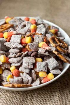 http://sweettreatsmore.com/2012/10/halloween-muddy-buddy-mix/