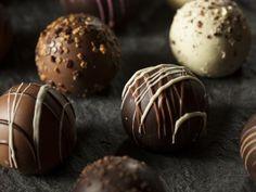 Receta de Trufas de Oreo con Chocolate | Es una receta fácil y muy rica. La galleta y el queso crema combinan perfecto.