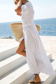 trendy Ideas for travel outfit summer casual simple Comfy Travel Outfit, Travel Outfit Summer, Summer Dress Outfits, White Dress Summer, Casual Summer Outfits, Comfy Outfit, White Sundress, Summer Travel, Fashion Me Now