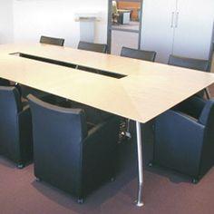 Task est un programme de conférence hors du temps, dont la puissance de la simplicité élégante est complétée par une série d'utilisations. Des réunions dynamiques sans compromettre la fonctionnalité ou l'apparence. Les tables ont une hauteur fixe de 740 mm et un piétemenent en acier (acier inoxydable ou peint). Une table de conférence raccordée s'étend jusqu'à 6 m de long. #kinnarps #twinform #task
