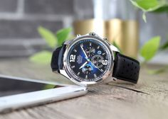 To make your day a lovely one, don't forget this bluish watch. Watch Model, Don't Forget, Watches For Men, Mens Fashion, Sport, Lifestyle, Accessories, Moda Masculina, Male Fashion