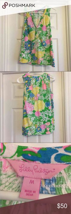 EUC Lilly Essie Top EUC Lilly Essie Top. Beautiful Hibiscus Stroll print. Smoke free home. Less on Ⓜ️. Lilly Pulitzer Tops