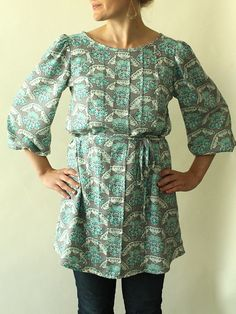 Josephine Top by madebyrae~ would be pretty in a printed lawn.