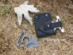 Benchmark Push Dagger Silver or Black | Extremely-Sharp.com | This Benchmark is a nifty little push dagger and perfect for self defense. Feel safe when walking to that dark parking lot .