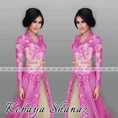 Baju Gamis Kebaya – Baju Gamis Kebaya cantik ini memiliki ukuran M dengan panjang 133cm dan lingkar dada 88cm. Kebaya muslim ini dibuat dari bahan brokat lapis furing dengan sleting di bagian dada yang dikombinasikan dengan bahan satin lapis …