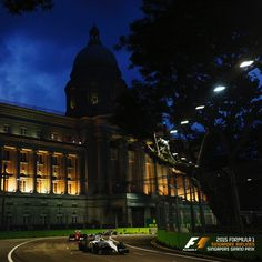 Singapore Sling (Turn 10 of the Marina Bay Street Circuit). Get up close to the track action with the Walkabout tickets. Singapore Grand Prix, Singapore Sling, Walkabout, Countries Of The World, Formula 1, Racing, Action, Mansions, Marina Bay
