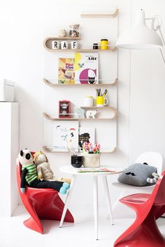 XL shelf from Rafa-kids in the creative corner for toddlers