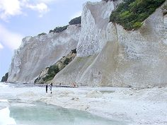 Falaises de calcaire - Île de Mon Photos Voyages, Copenhagen Denmark, Water, Outdoor, Cliff, Denmark, Gripe Water, Outdoors, Outdoor Living